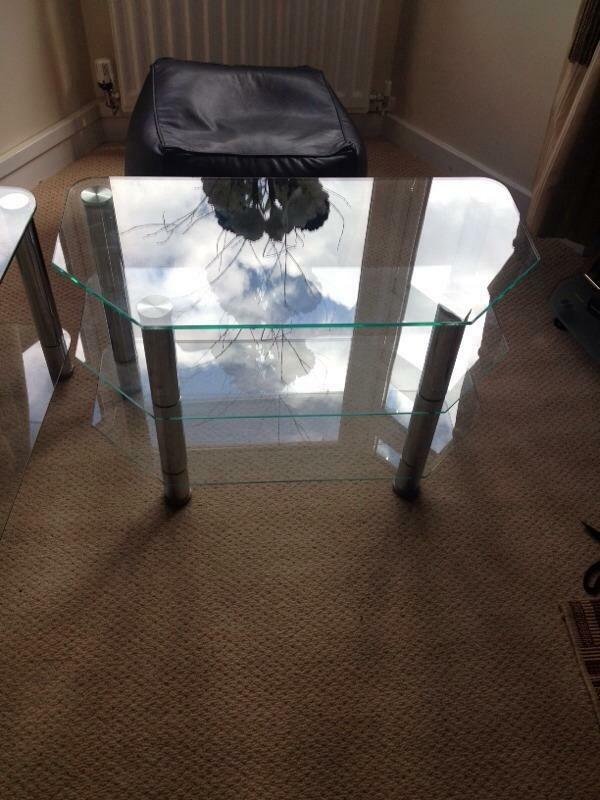 Tv Stand And Matching Coffee Table Buy Sale And Trade Ads