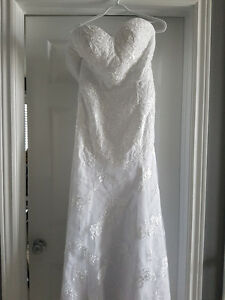 Strapless lace wedding dress- size 6-8