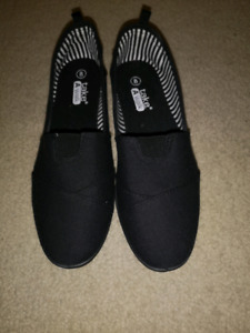 Shoes size 8- brand new