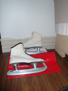 Womens Size 7 Skates for sale - will need sharpening. Used but