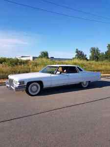 1975 Cadillac Deville 3900 just Certified and oil change !