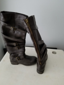 Beautiful Brown Leather Boots Ladies Size 6