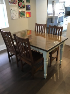 Woodcraft Dining Table and Chairs - Real Wood!