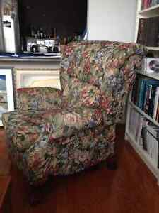 2 Very Comfortable LazyBoy Recliner Chairs 4 Sale Kitchener / Waterloo Kitchener Area image 2