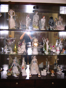 Porcelain figurins as you see them in the picture for sale