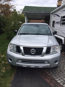 2012 Nissan Pathfinder SUV, Crossover