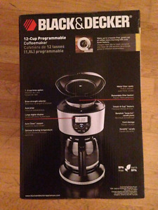 Black and Decker 12-cup programmable coffee maker (BRAND NEW)