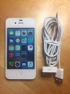 iPhone 4s - 16gb - locked to Bell/Virgin mobile Oakville / Halton Region Toronto (GTA) image 1