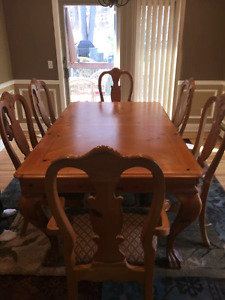Thomasville Dining Room Set with China Cabinet