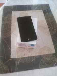 Lg4 cell phone in perfect condition  Peterborough Peterborough Area image 1