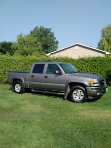 "2006 GMC SIERRA SLT CREW CAB ""LOADED"""