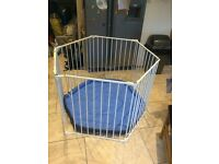 Lindam playpen/ wide baby gate