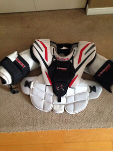Vaughn Vision Jr. Large Goalie Chest Protector Kitchener / Waterloo Kitchener Area image 1