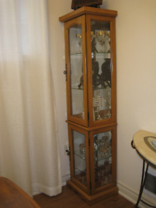 Oak Curio Cabinet, Like New!