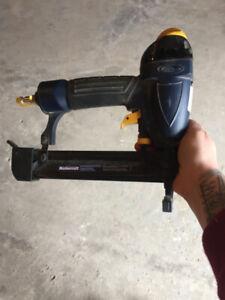 FINISH NAIL GUN (AIR,COMPRESSOR)