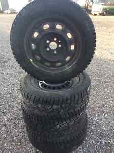 Snow tires 215 65 15 London Ontario image 1