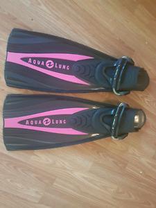 Scuba fins for sale