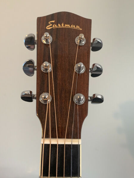 Eastman ac 322 ce acoustic guitar