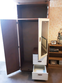 Wardrobe with mirror and 3 drawers