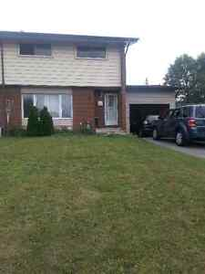 House for Rent - Close to Elmvale and Everything in the CIty!