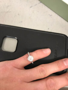 Tiffany & Co   Engagement Ring New Price 7,000