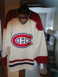 Montreal Canadiens CCM Official PRO Jersey like New