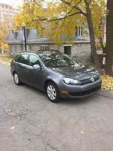 2011 Volkswagen Comfortline Sedan 2.5l with Sun Roof