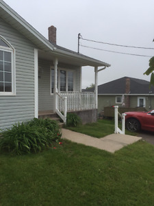 FOR RENT; BEAUTIFUL 2 BEDROOM HOUSE ( DUPLEX) IN STRATFORD