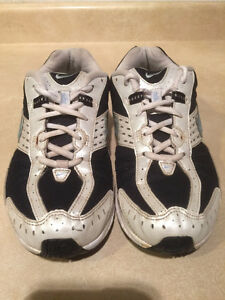 Women's Nike Impact Support Running Shoes Size 8 London Ontario image 4