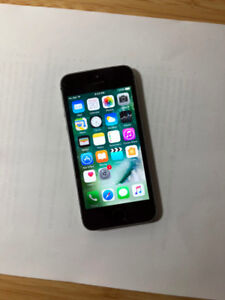 FACTORY UNLOCKED Space Grey 16GB iPhone 5S (A- Condition)