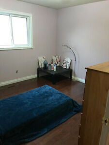 ROOM ALL INCLUSIVE FURNISHED - 10 MIN TO SKYTRAIN
