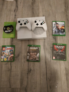 X Box One S + 2 Controllers + 5 Games (Games in the description)