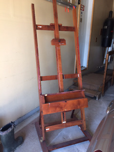 Sturdy easel for sale