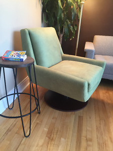 Brand spanking NEW swivel chair from KESAY - MINTY