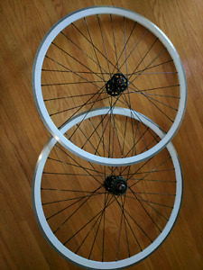 Velocity rims on Formula fixed/freewheel flipflop hub