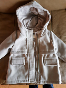 Old navy baby girl pea coat. Tags on