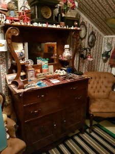 Antique sideboard. Buffet hutch. Nice condition.