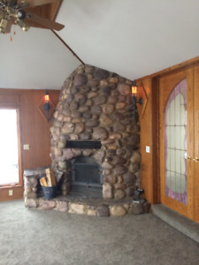 NW Country Cottage - close to Bearspaw, Airdrie and Cochrane