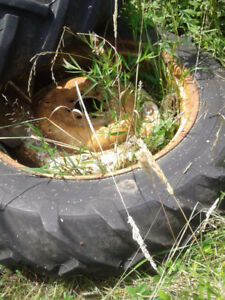 Used tractor tires and wheel