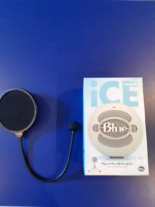 Blue snowball ice mic