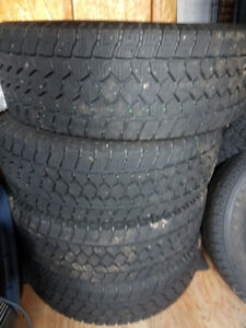 Pneus HIVER Toyo Open Country WLT1 285/70/R17