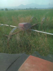 irrigation wheel move , roughly 1000 feet of pipe , 5000$