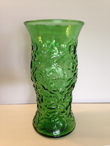 E. O. Brodey Co. Vintage Pressed Glass Bright Green Vase G106
