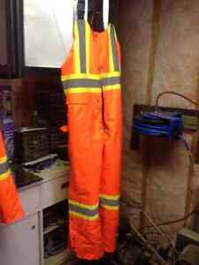Winter insulated safety parka and bibs Cornwall Ontario image 2
