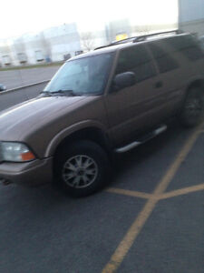 2005 GMC Jimmy 4X4 excellent condition!!! London Ontario image 1