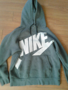 Mens Small Nike hoody ( or could be youth Large as well)