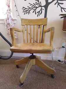 Vintage wood office chair for sale Kawartha Lakes Peterborough Area image 2