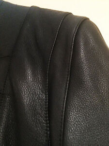 Genuine Leather Trench Coat in Perfect Condition! Oakville / Halton Region Toronto (GTA) image 6