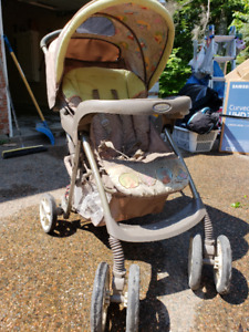 Winnie the Pooh Baby Stroller + Carseat Combo