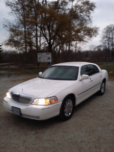 2008 Lincoln Town Car. Hard to find in this great condition!